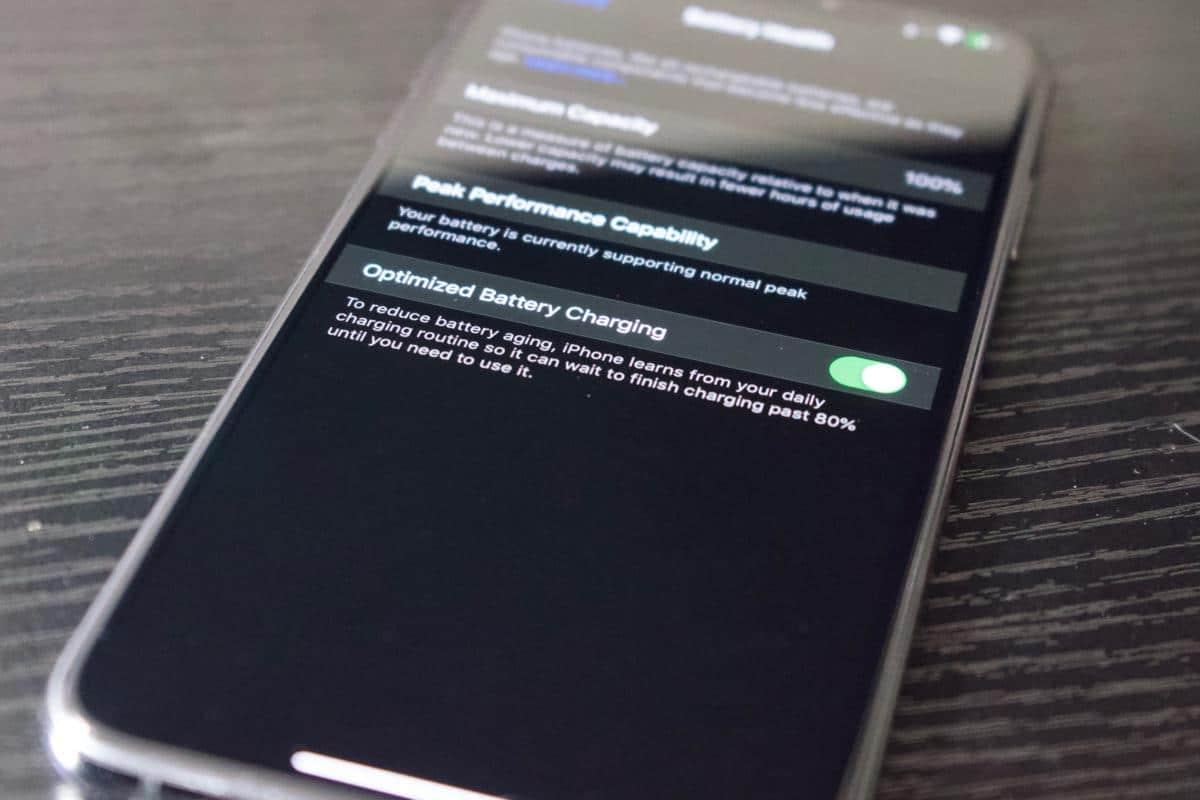 Che cosa è la ricarica ottimizzata della batteria di Iphone e come funziona